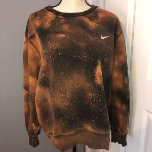 Nike Bleach Distressed Crewneck Sweatshirt